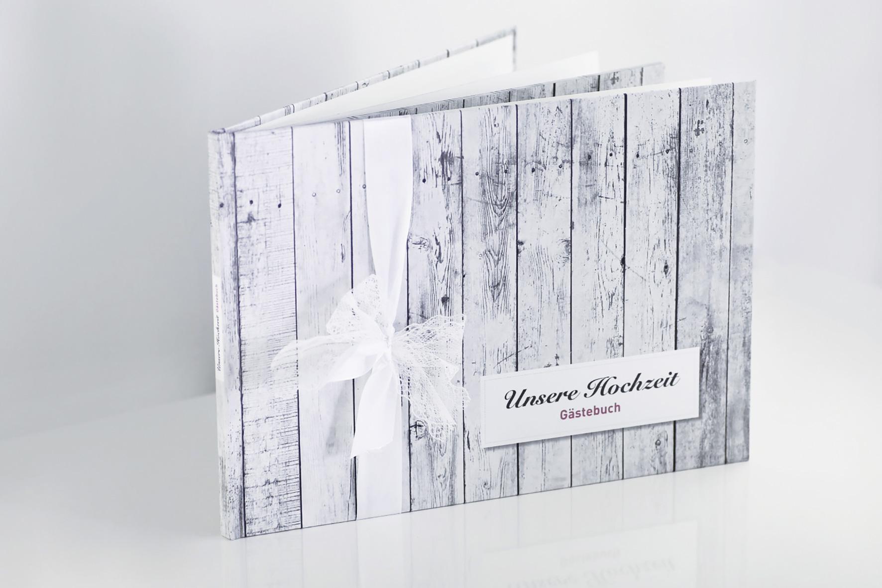 Gästebuch - Holz (mit Fragen)